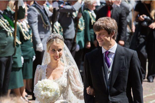 Mariages Naissances Divorce Le Carnet Blanc Et Rose 2017 Du Royal Blog
