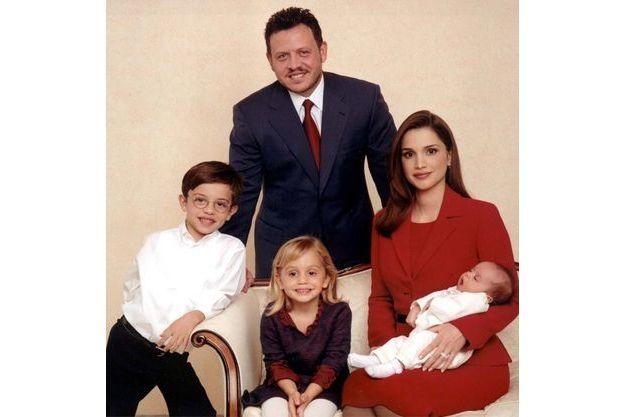 Rania 45 Ans 50 Photos 10 Anecdotes Joyeux Anniversaire Rania