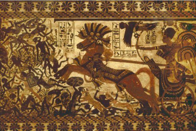 Détail d'une peinture sur un coffre montrant Toutânkhamon dans un char (musée du Caire - 2008)