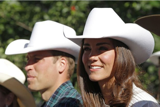 Le prince William et son épouse la duchesse de Cambridge, née Kate Middleton, au Calgary Stampede, au Canada en juillet 2011.