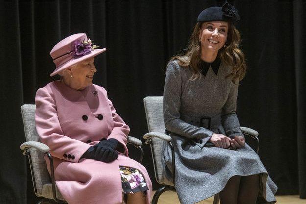 Kate Middleton et la reine Elizabeth II à Londres, le 19 mars 2019