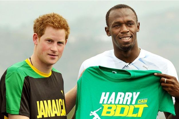 Le prince Harry invite son ami le champion Usain Bolt à une revanche, ici en 2012
