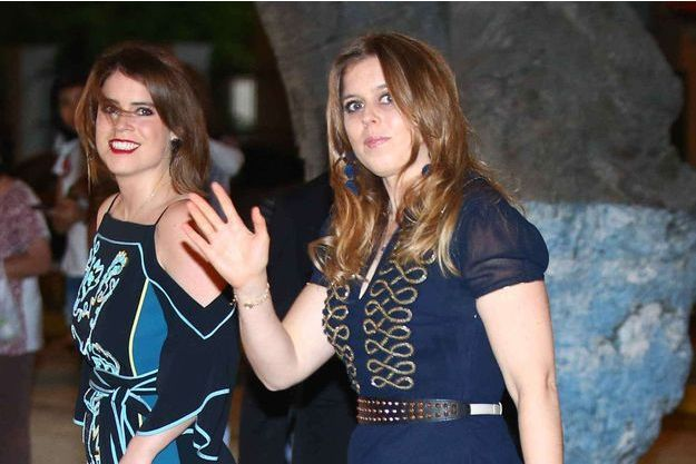 Les princesses Eugenie et Beatrice d'York le 17 mars 2018