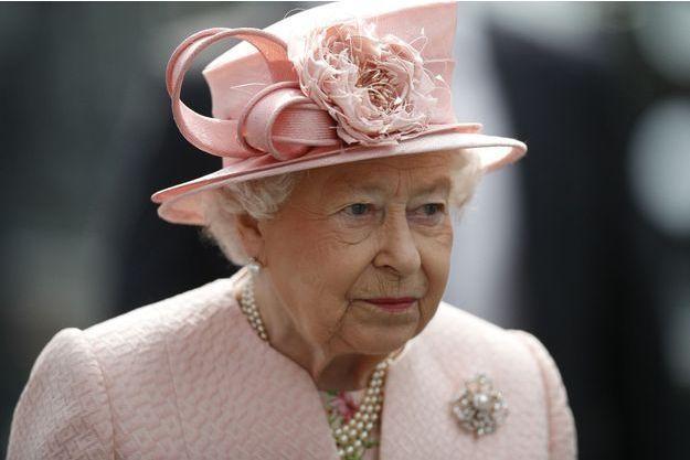 La reine Elizabeth ne votera pas au referendum sur la place du Royaume-Uni dans l'Union européenne.