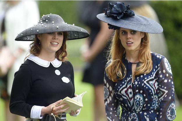 Les princesses Beatrice et Eugenie en juin 2016 à Ascot.