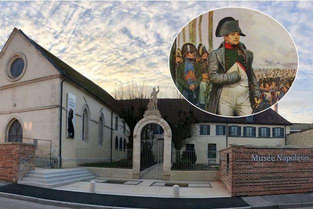 Le musée Napoléon à Brienne-le-Château. En vignette, Napoléon Ier à Brienne (détail)