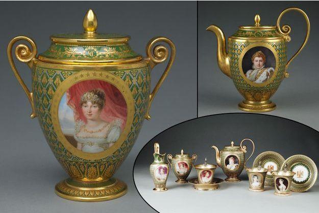 Le cabaret dit des princesses de la Famille impériale, en bas à droite. A gauche, le sucrier orné du portrait de Caroline Bonaparte - en haut à droite, la verseuse avec le portrait de Napoléon Ier