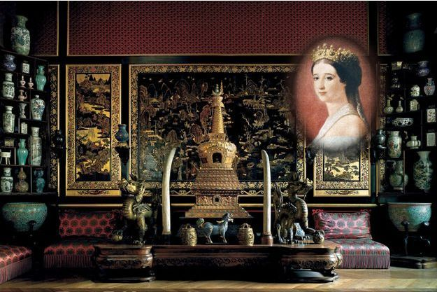 Le Musée chinois du château de Fontainebleau (détail) - En médaillon : portrait de l'impératrice Eugénie
