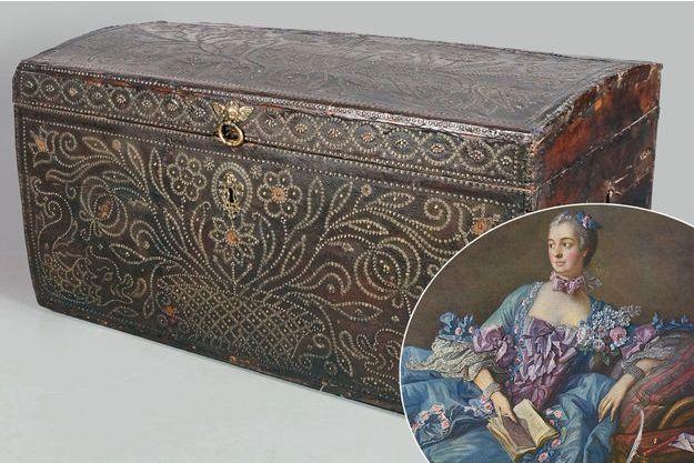 La malle de carrosse de la Pompadour vendue aux enchères à Paris le 21 avril 2016 - En médaillon : portrait de la marquise de Pompadour par François Boucher en 1756