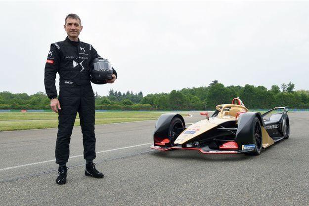 Comme en F1, les formule E portent désormais un halo, censé protéger le visage du pilote des projections.