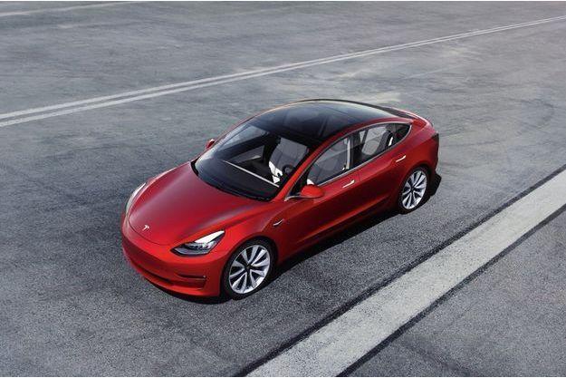 La Tesla Model 3, un véritable « Smartphone » roulant