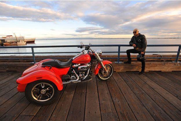 Le Trike Freewheeler, le trois roues de chez Harley. 500 kg de sensations fortes.
