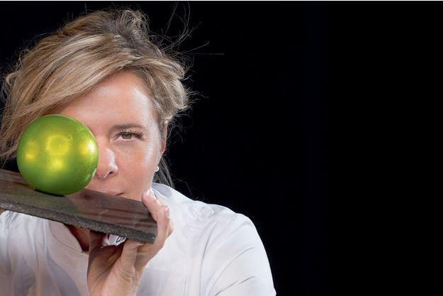 Christelle Brua, et sa pomme en sucre soufflé