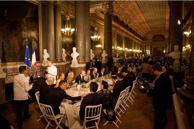Ce dîner prestigieux a été sponsorisé par des marques et n'a en aucun cas été pris sur le budget de la France.