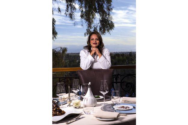 Au cœur du mythique palace Es Saadi, à Marrakech, Fatéma Hal remet au goût du jour les recettes ancestrales