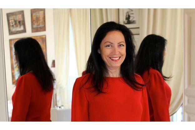 Sylvana Lorenz, responsable de la communication chez Cardin, s'est fait voler son identité sur Facebook. Elle a aussi cru se faire draguer sur Internet par Fabrice Luchini !