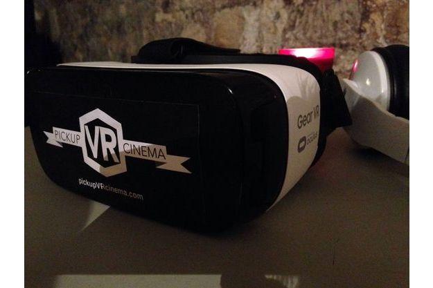 Casque Samsung utilisé pour l'expérience en réalité virtuelle