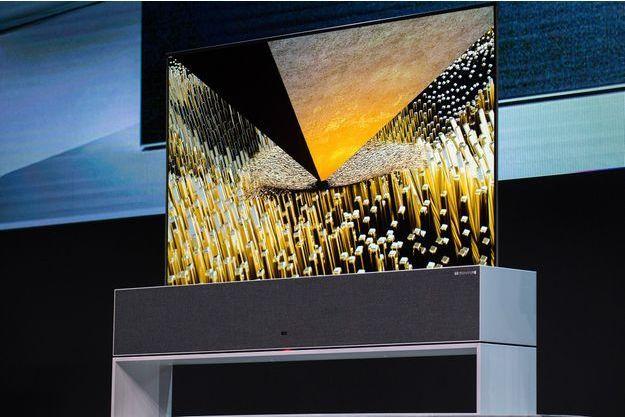 La télé enroulable de LG présentée au CES 2019.