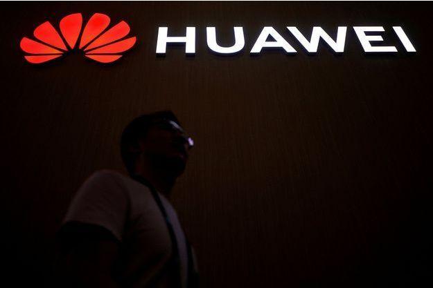 """Menacé, Huawei présente """"HarmonyOS"""", son nouveau système d'exploitation"""