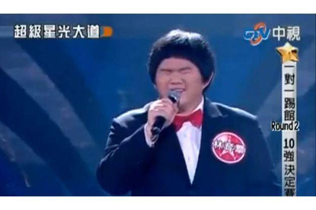 Le petit imitateur Taïwanais de Whitney Houston
