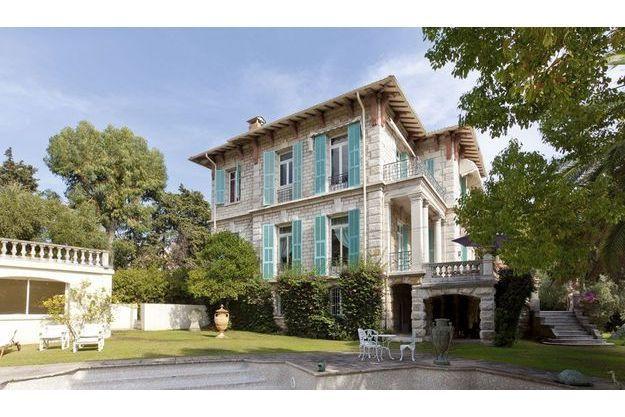 A Roquebrune, Coldwell Banker met en vente cette propriété de 500 m2 pour plus de 20 millions d'euros.