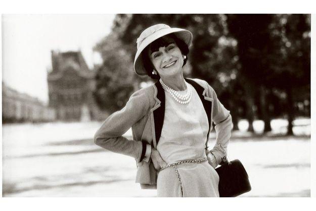 Coco Chanel, jardin des Tuileries. 1957.