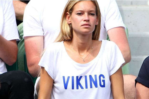 "Clémence Bertrand à Roland-Garros l'an passé, porte l'un de ses tee-shirts ""Viking"""