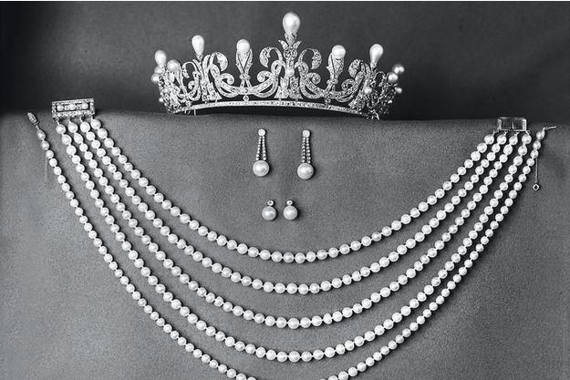 Chaumet Parure perles et diamants réalisée pour le mariage de la princesse Alice de Bourbon-Parme avec l'infant d'Espagne, le prince Alphonse de Bourbon-Siciles, 1936.