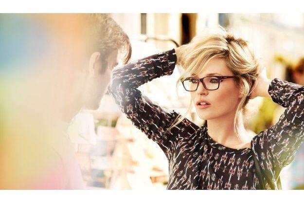 Kate Moss a choisi six modèles iconiques de la collection Vogue Eyewear