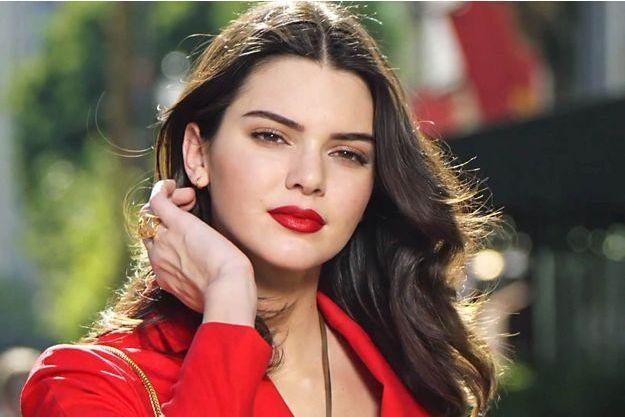 Kendall Jenner, première égérie parfum d'Estée Lauder