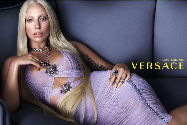 La campagne Versace avec Lady Gaga.