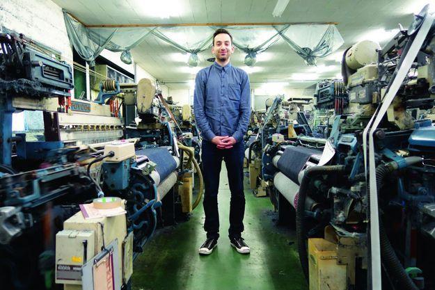 Le créateur Brandon Svarc, dans son usine, à Montréal.