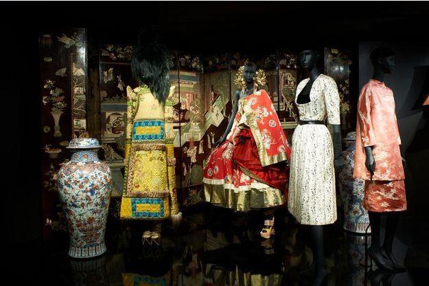 99fce5398 Le musée des Arts décoratifs célèbre les 70 ans de Dior