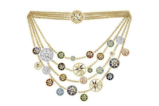 Les multifacettes de la médaille. Ici le collier multi-rangs Rose des vents en or et pierres dures, de Dior Joaillerie.