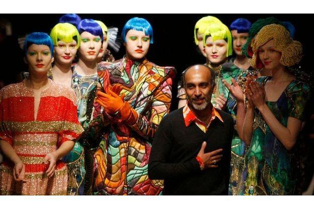 Manish Arora, présentant sa collection Automne/Hiver 2010/2011