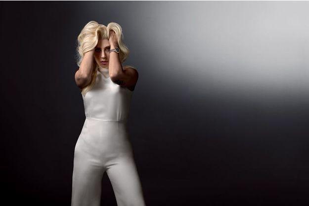 Icône pop et aujourd'hui actrice, Lady Gaga porte les couleurs de Tudor