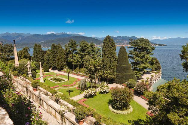 Le jardin baroque de l'Isola Bella, des îles Borromées (Italie).