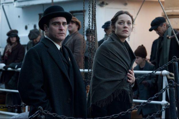 """Joaquin Phoenix et Marion Cotillard dans """"The Immigrant""""."""