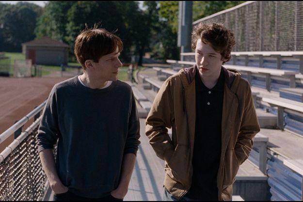"Jesse Eisenberg et Devin Druid dans ""Louder than Bombs""."