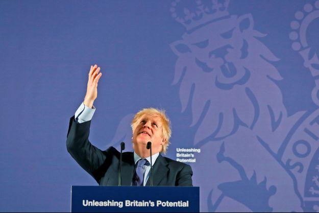 Boris Johnson présente le projet de son gouvernement dans le cadre des négociations commerciales avec l'Union européenne, lundi à Londres.