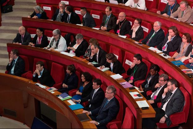 Janvier 2015, Emmanuel Macron, Marisol Touraine, Myriam El Khomri, Manuel Valls et Jean Paul Delevoye au Cese.