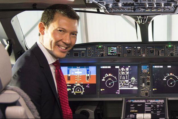 Benjamin Smith, ici à bord d'un avion Bombardier C Series, s'apprête à prendre les commandes d'Air France.