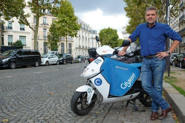 A la tête de Cityscoot, Bertrand Fleurose, un ancien trader passionné de deux-roues.