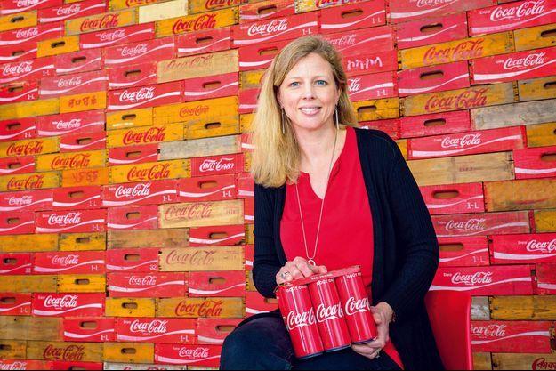 La présidente de Coca-Cola France, l'Américaine Page Guillot, au siège de l'entreprise, à Issy-les-Moulineaux, le 13 avril.