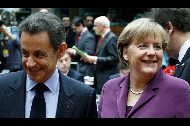 Nicolas Sarkozy et Angela Merkel au sommet européen de Bruxelles.