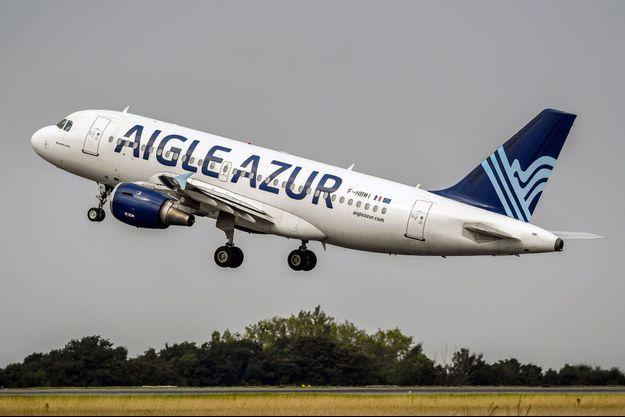 Appareil d'Aigle Azur à Lesquin, en 2017.