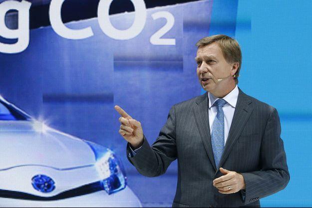 Didier Leroy au Salon de l'automobile de Francfort en 2013.