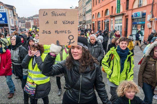 """Manifestation de femmes """"gilets jaunes"""" à Toulouse, le 6 janvier."""