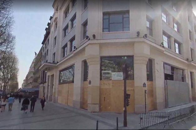 L'immeuble est situé au 79, avenue des Champs-Elysées.