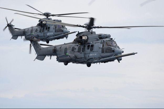 Des hélicoptères Caracal de l'armée de l'air française.